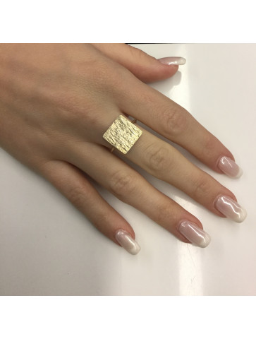 Ring - square shape - gold...