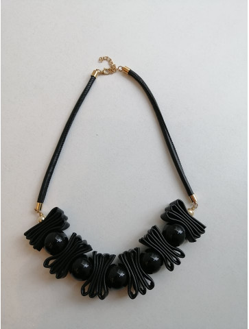 Necklaces - Leather items -...