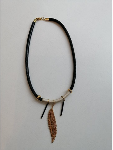 Short necklace - Gold leaf
