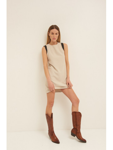 BACKLESS DRESS WITH FAUX...