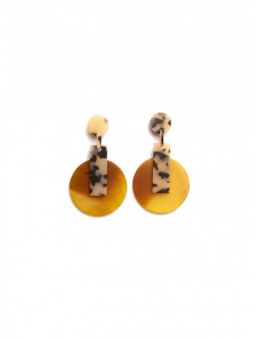 Round shaped African earring