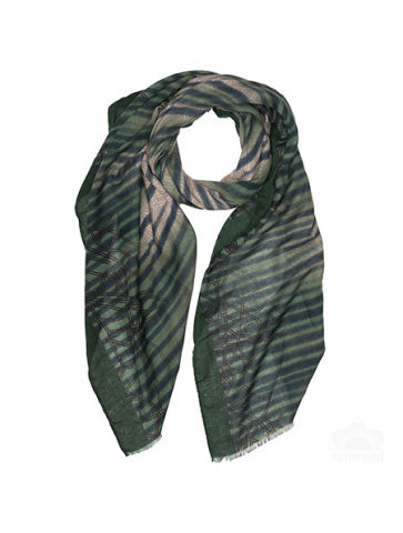 Scarf with blurred stripes