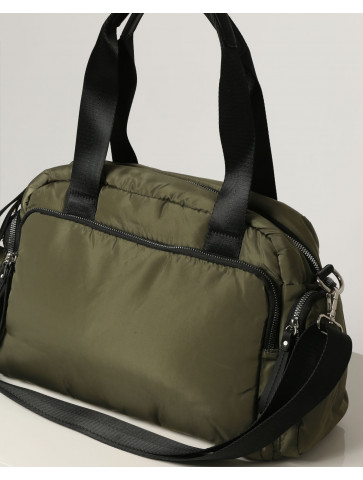Quilted bag in military...