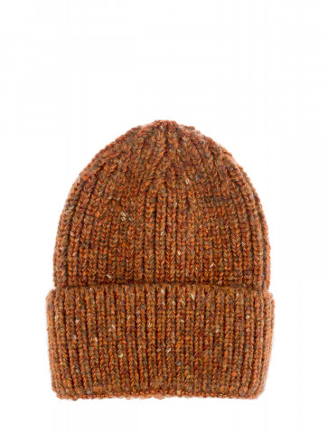 Hat with mixed colors