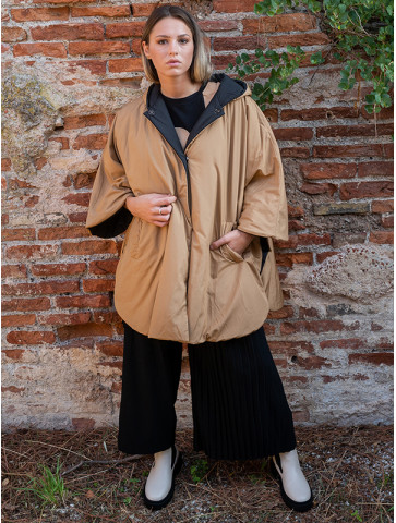 Cape with 3/4 sleeves