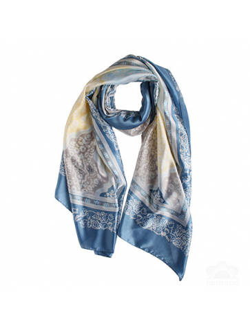 Scarf with arabesque style...