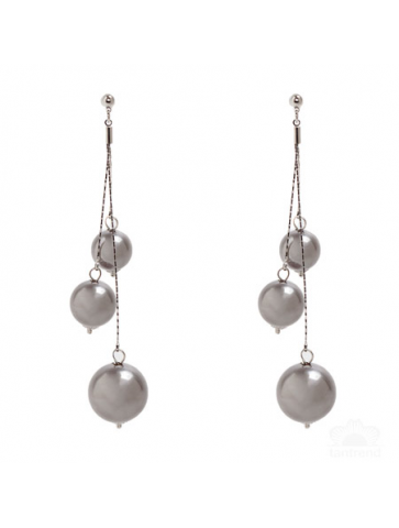 Earrings with pearls in gray