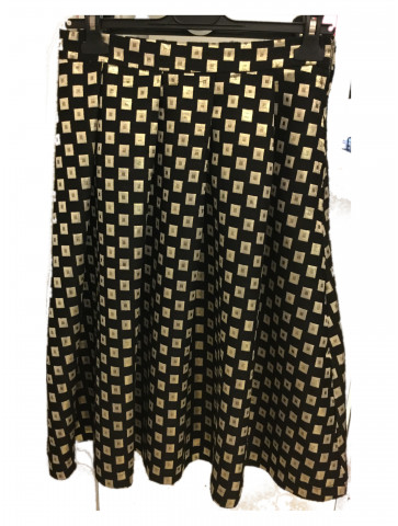 Skirt with gold patern